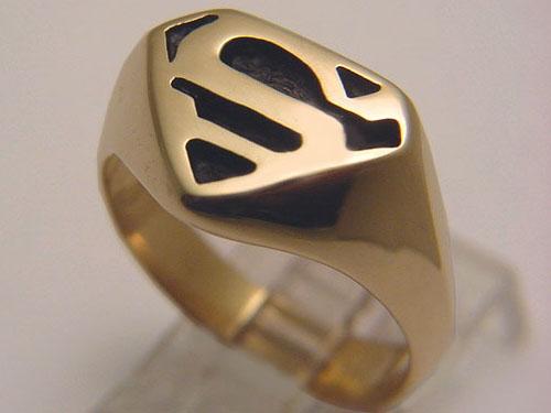 yellow gold superman ring 3